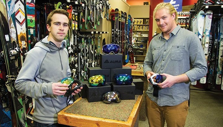 "U student startup, ""Aura Optics,"" create interchangeable lens ski goggles."